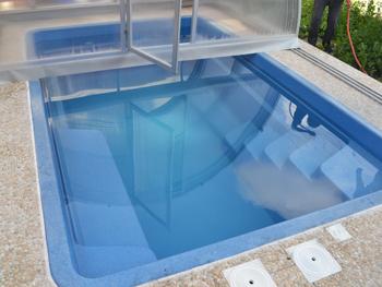 Композитный бассейн с павильоном